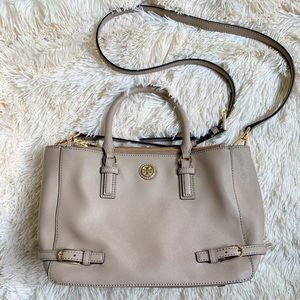 Handbags - NEW!! Tory Burch Robinson Bag